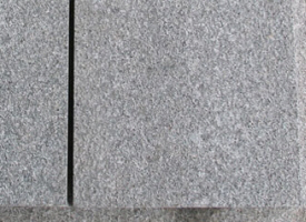 Dalle en pierre bleue naturelle pour plots chez pierre et for Dalle granit pour terrasse