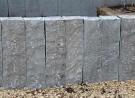 Palissades, barres et murets en pierre naturelle,... chez PIERRE ...